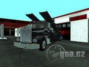 Kamión slúži na prepravu vozidiel